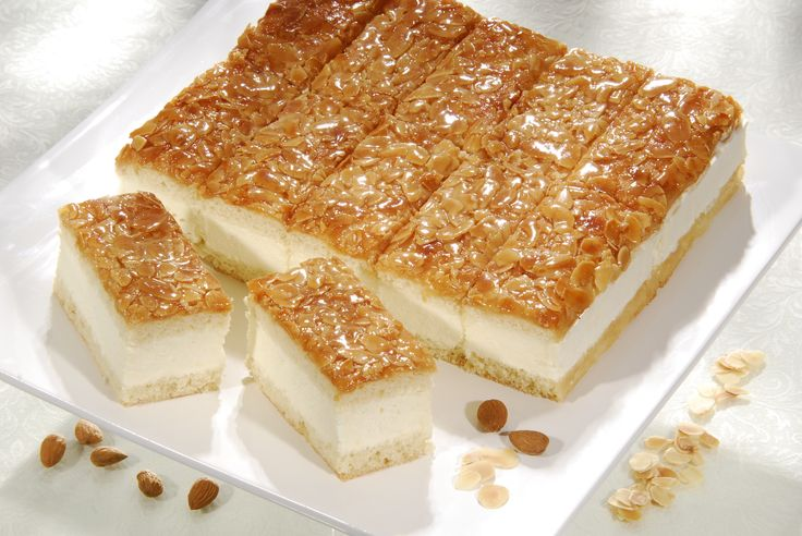 Bienenstich - 'Bee Sting' Cake | German Recipes | Pinterest