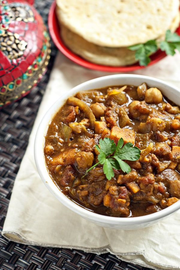 Sweet Potato and Chickpea Curry | http://www.heatherlikesfood.com ...