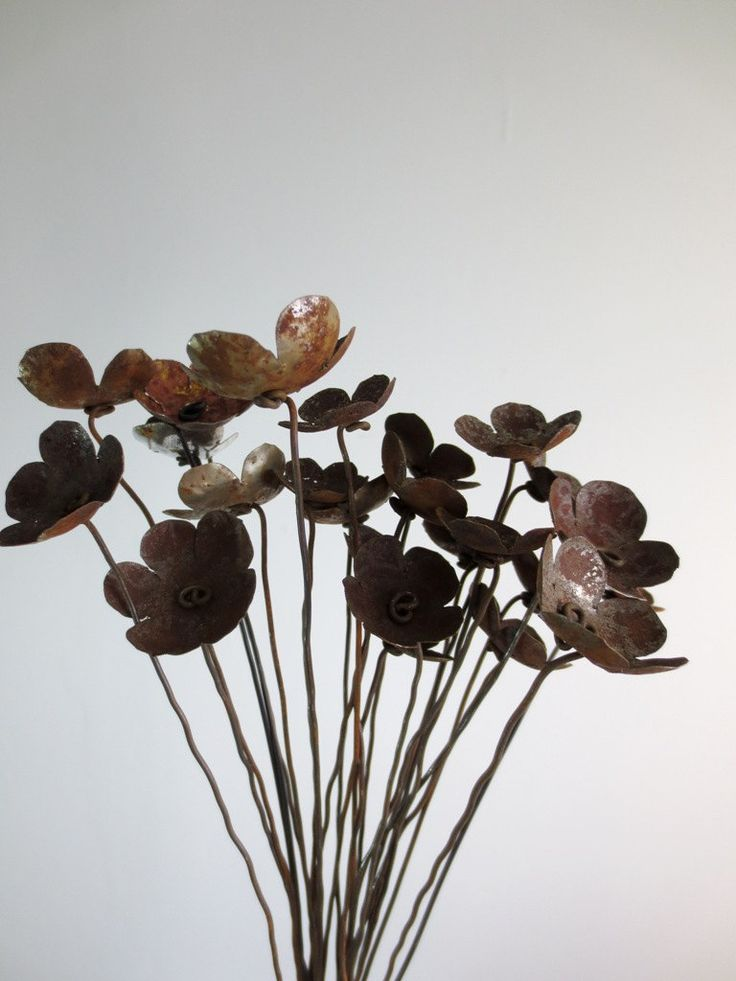 Rustic bouquet of rusty metal flowers for your wedding