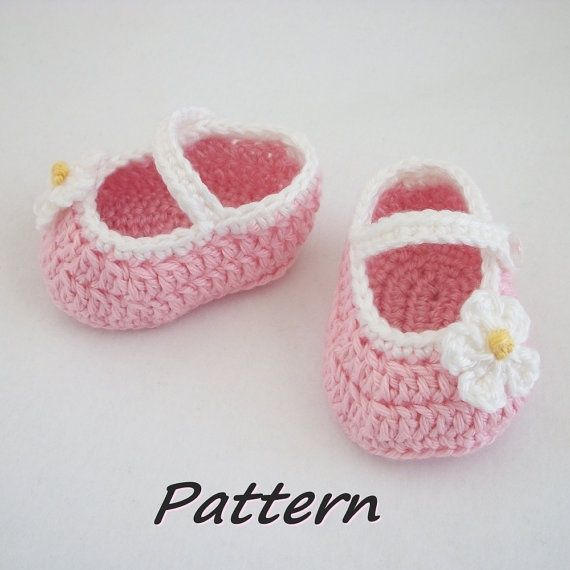 Crochet Baby Shoes Mary Jane Pattern : Pin by Rebecca Fuller on Yarn crafts Pinterest
