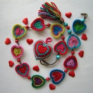 diy project: molly's crochet heart garland | Design*Sponge