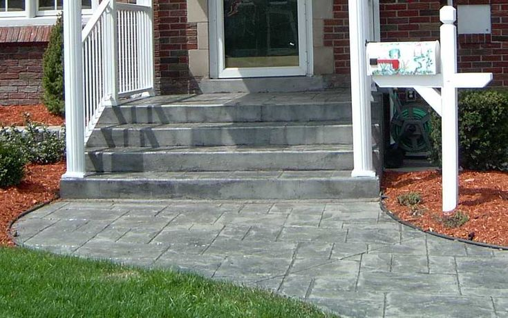 Concrete walkway and steps to front door front door - Front door walkways and paths ...