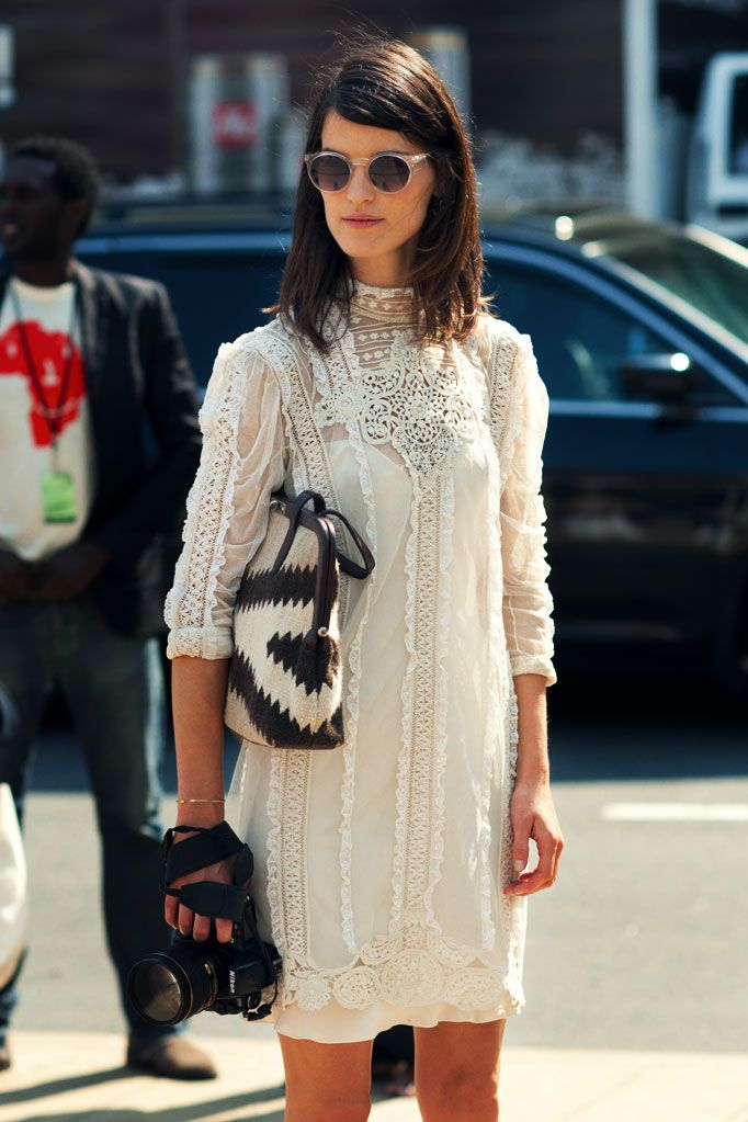 white dress, cute purse, interesting shades - perfect outfit HANNELI MUSTAPARTA