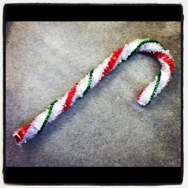 Beaded candy cane | Craft Ideas | Pinterest