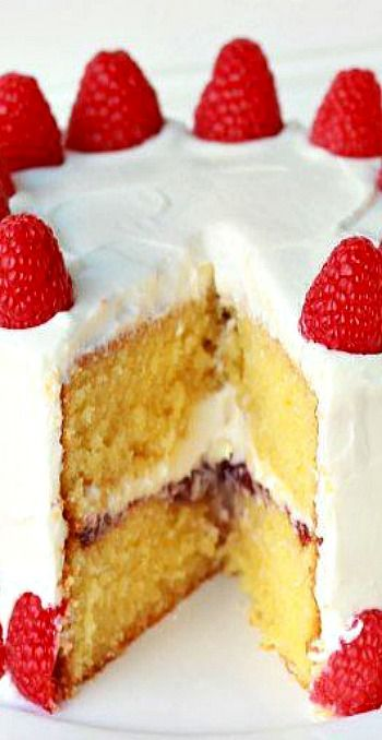 Almond Raspberry Layer Cake | Sweets for the sweet | Pinterest