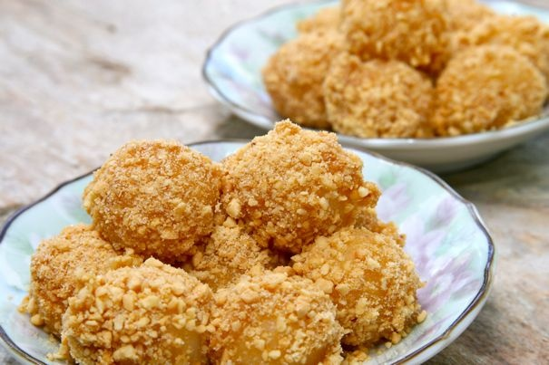 sweet peanut mochi dumplings | YumYums | Pinterest