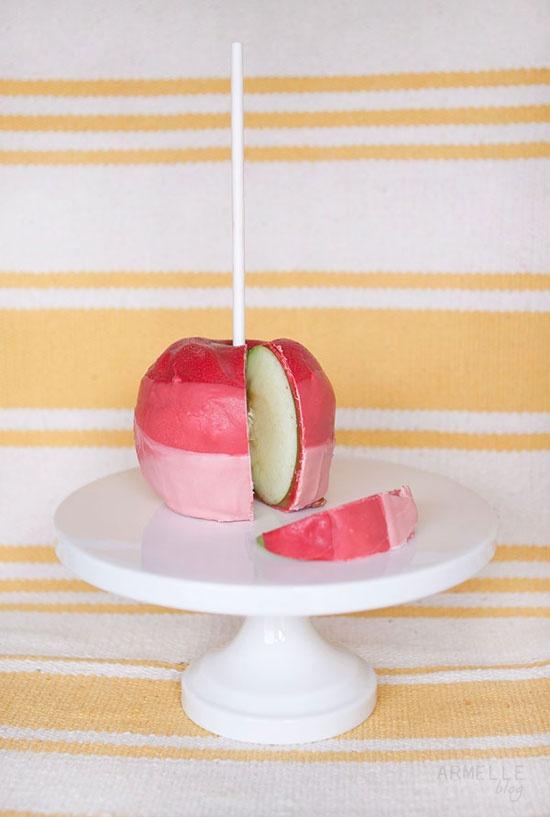 DIY Ombré Caramel Apples, Perfect for neighbor gifts for Christmas! @The Neighborhood #letsneighbor Caroline D.