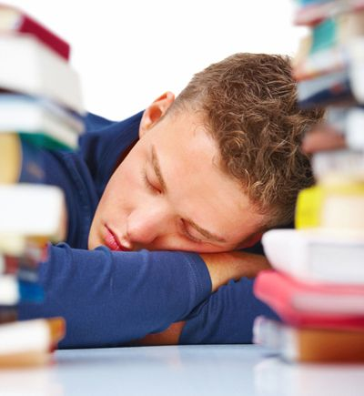 school should start later There's been lots of research done on sleep and performance in school — but  this article argues that school should start even later than most.