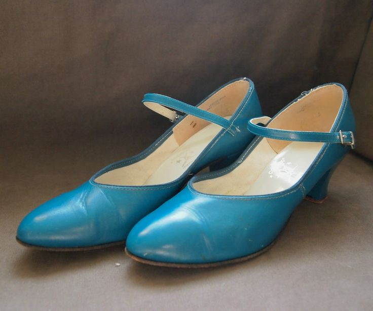 Vintage 1960s CAPEZIO Character Shoes Turquoise Genuine Leather