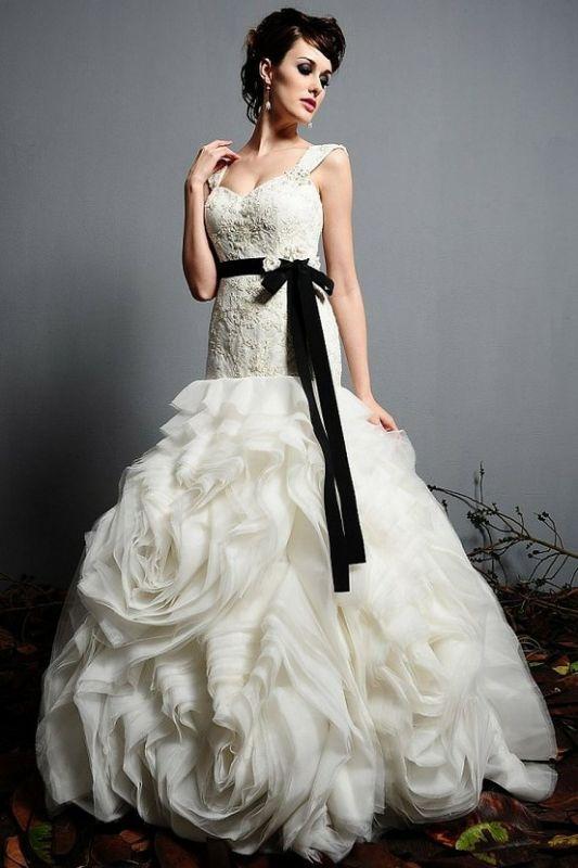 Black Rose Wedding Dresses : Found on boards weddingbee