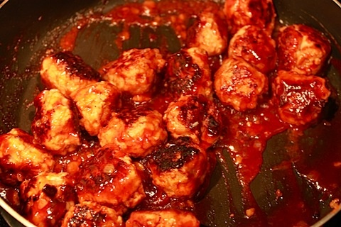 Barbecue Chicken Meatballs | party foods | Pinterest