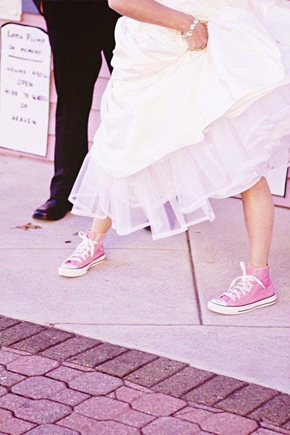 La mariée portait des converses