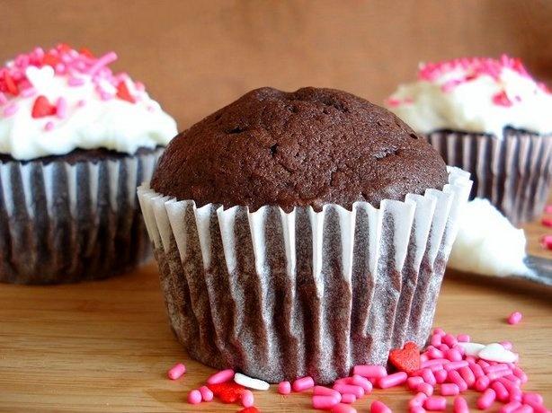 One Bowl Chocolate Cupcakes | Recipe