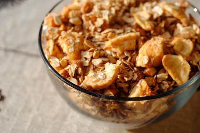 Apple Cinnamon Granola | SUPER HEALTHY FOOD | Pinterest