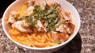 ... ! It's a Food Blog.: Roasted Red Pepper and Goat Cheese Alfredo Pasta