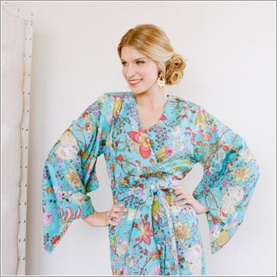 Kimono Style Robe. Knee Length. Darling Jardin Bleu. Would make a great gift for my bridesmades!