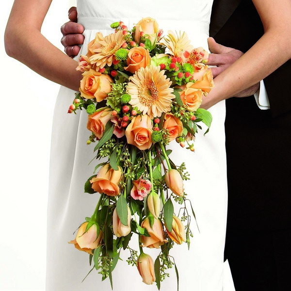 Traditional wedding bouquets amp boutonniere pinterest
