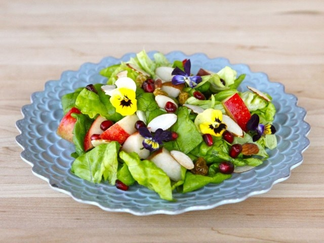 Tu B'Shevat Salad with Pomegranate Dressing - This is the prettiest ...
