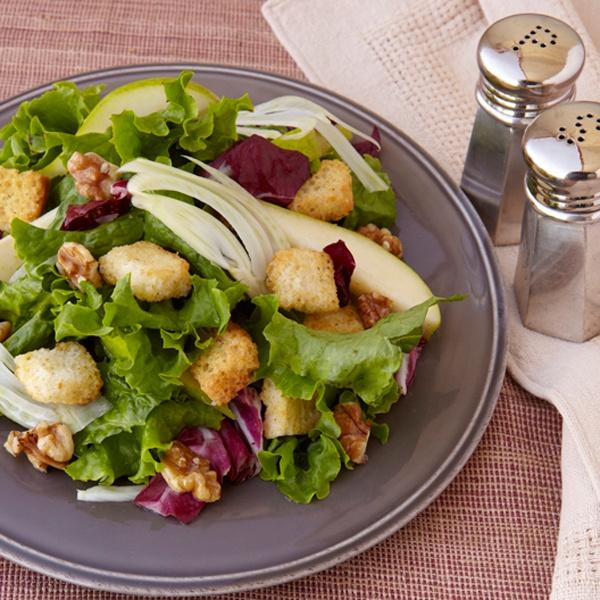 Fennel Pear Radicchio Salad | Servings: 4 | Prep Time: 15 min | Cook ...