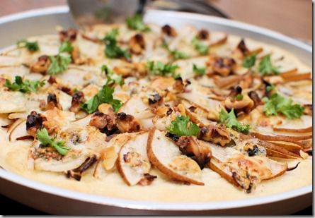 Pear and gorgonzola pizza | entrees | Pinterest