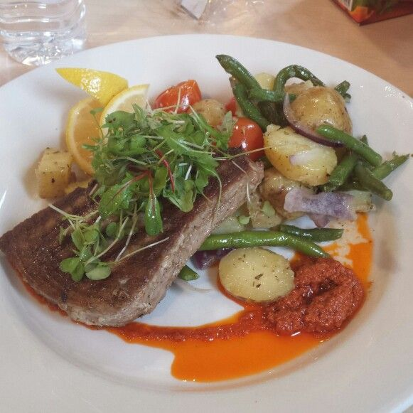 Seared Tuna & Nicoise Salad, Lemon and Herb Dressing, Tomatoe and ...