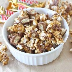 Twix caramel popcorn   Popcorn Love   Pinterest