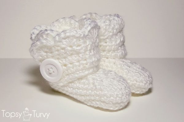 Crochet Wrap Around Button Baby Boots Pattern : Pin by Cindy Vanarwegen on Crochet baby shoes Pinterest
