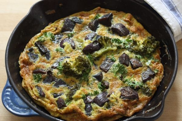 easy vegetable frittata.....looks like a great healthy work night meal ...