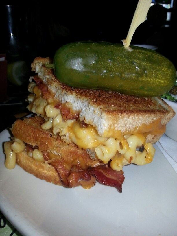 ... macaroni & cheese and bacon sandwich on toasted sourdough bread