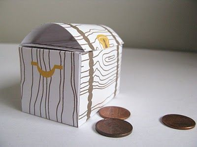 Printable Treasure Chest... Would be great for princess costumes!