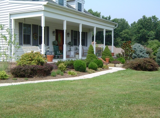 Decorating a long front porch for the home pinterest for Long porch decorating ideas