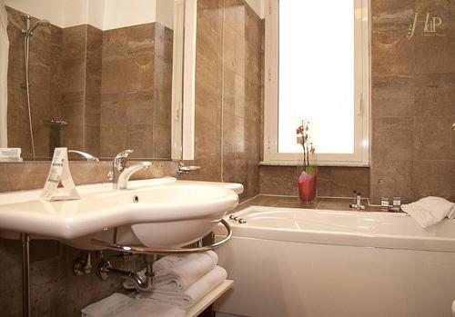 hotel giugliano con vasca idromassaggio : Bagno Con Vasca Idromassaggio : bagno con vasca idromassaggio Hotel ...