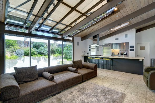 Love the skylights, windows and openness! #tonsoflight | Hollywood Hills | Los Angeles