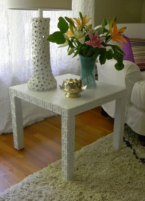O'verlays on an Ikea lack table