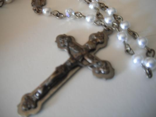 $28.00 Antique pearl Rosary (free shipping, US)