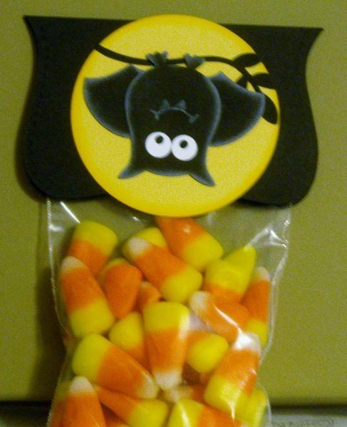 Stampin' Up!  Owl Punch  Rebecca Cavanaugh  Halloween Bat