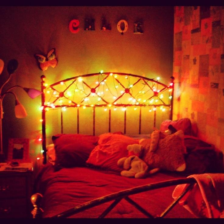Christmas lights around bed christmas decorating for Christmas lights on bed