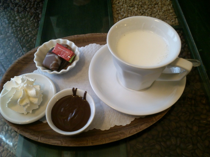 hot chocolate in Bruges (Belgium) | E for eat me ! | Pinterest
