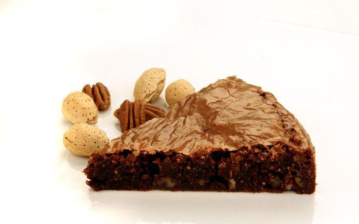 Chocolate pecan brownie fudge cake (uses potato starch)