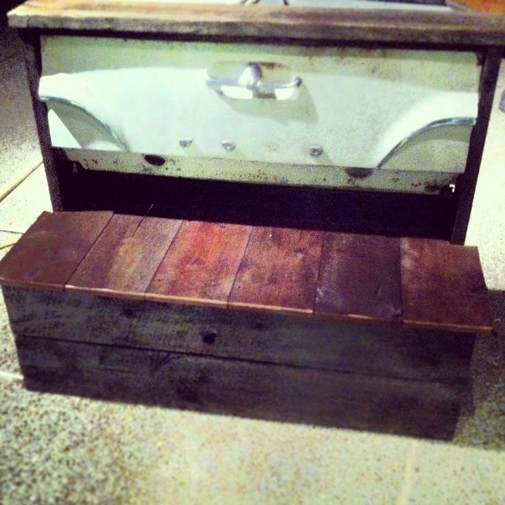 Tailgate bench $350 | DIY stuff | Pinterest