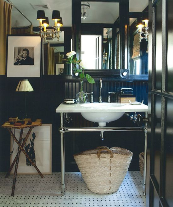 Mark D. Sikes, House Beautiful: guest bath, black walls
