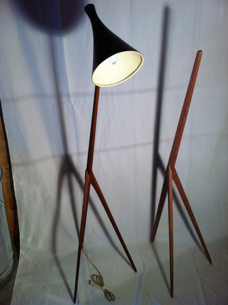 modern reproduction praying mantis floor lamp via etsy. Black Bedroom Furniture Sets. Home Design Ideas