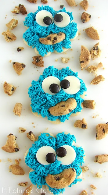 Cookie Monster Cookies: A cookie of a cookie monster eating a cookie ...