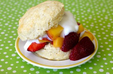 peach amp strawberry shortcakes punchfork