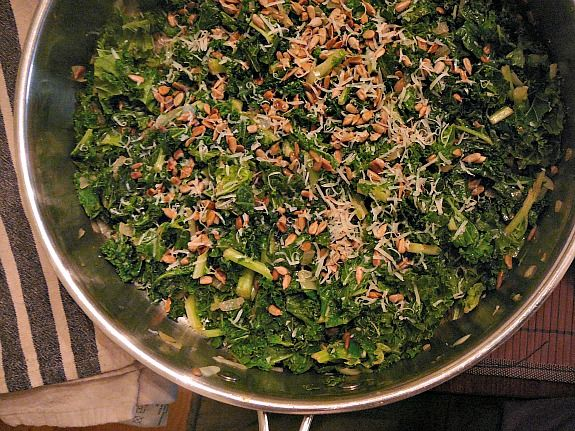 Mostly Food and Crafts: Sauteed Kale with Toasted Sesame Seeds and ...