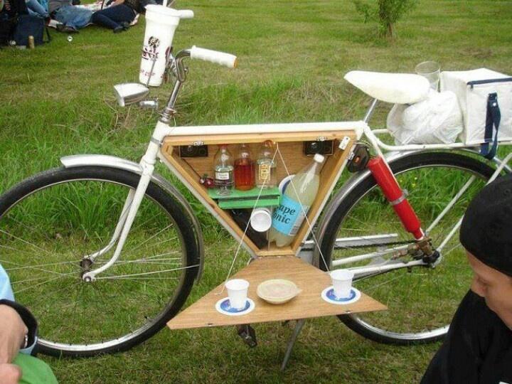 Bike picnic diy pinterest for Diy outdoor bike storage