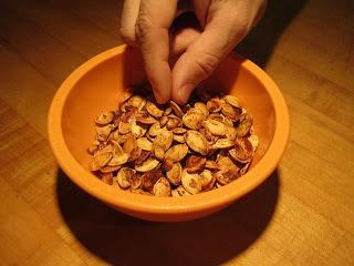 Toasted Pumpkin Seeds Recipe – The Lemon Bowl