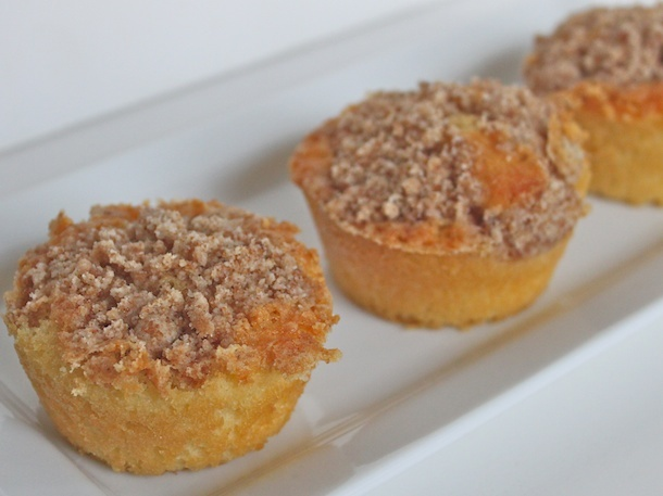 Mini-Coffee Cakes from Serious Eats. http://punchfork.com/recipe/Mini ...