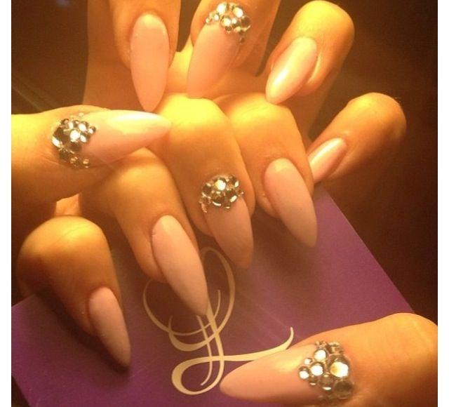Amber rose stiletto nails