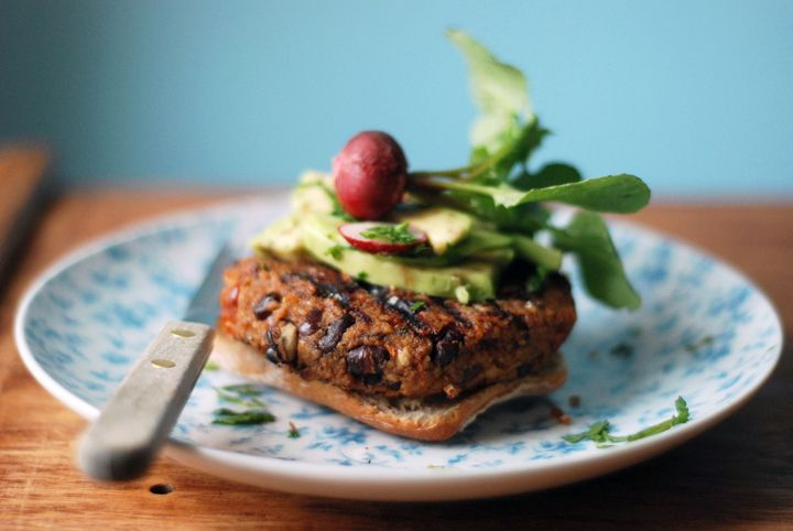 adzuki and sun dried tomatoes bean burgers